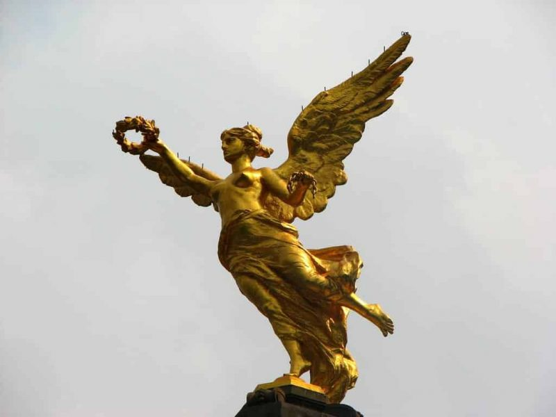 The-Golden-Angel-Of-Independence-Along-The-Paseo-de-la-Reforma-Mexico-City